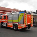 Beschriftung eines Einsatzfahrzeugs der Feuerwehr Finnland