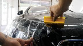 Mit Lackschutzfolie / Steinschlagfolie den Fahrzeugwert erhalten!