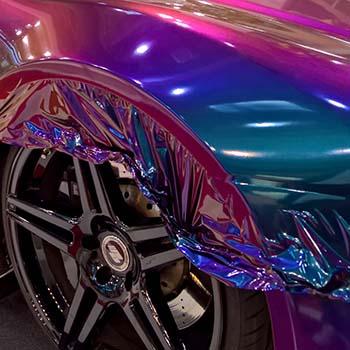 fast fertiggestellte Vollfolierung in Flipflop Perlglanz Optik Lila Violett Blau